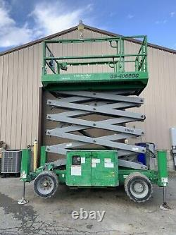 2013 GENIE GS4069DC 40 ELECTRIC SCISSOR MAN LIFT With OUTRIGGERS
